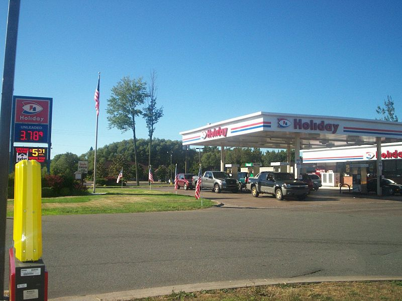 Owned Holiday gas station chain sold to Canadian company