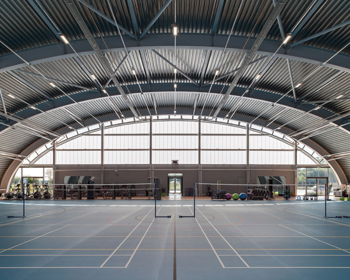 Called The Hangar, with inspiration from real aircraft hangars and the campus' aviation icons, a multipurpose sports centre has been provided for use by staff. Photo Credit: Wilkinsoneyredyson Research Limited The Hangar Wilkinsoneyre