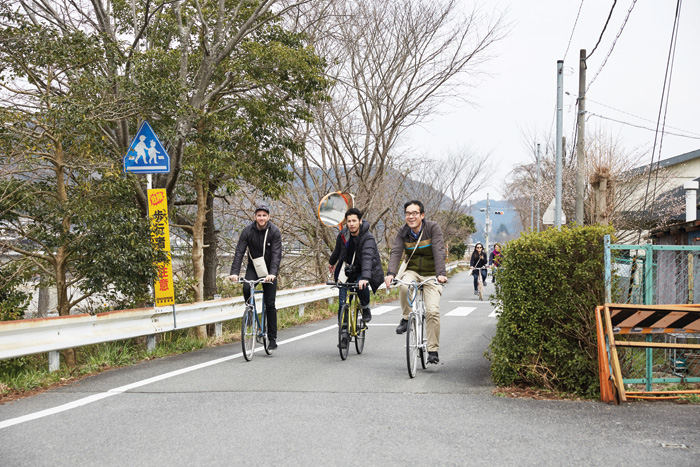 A Tokyo Bike tour of Yoshino, (l-r) Airbnb co-founder Joe Gebbia, Junji Kawashima (Tokyo Bike co-founder) and Teruichi Ishibashi from Yoshino. Image Credit: Ryan Kim