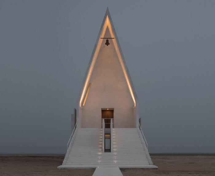 Gong Dong at Vector Architects, China Seashore Chapel, Beidaihe New District, China