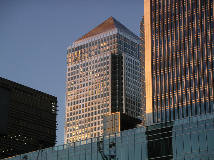 One Canada Square from the south catches the evening light. The small tower in front is the 105m-high Foster designed 33 Canada Square