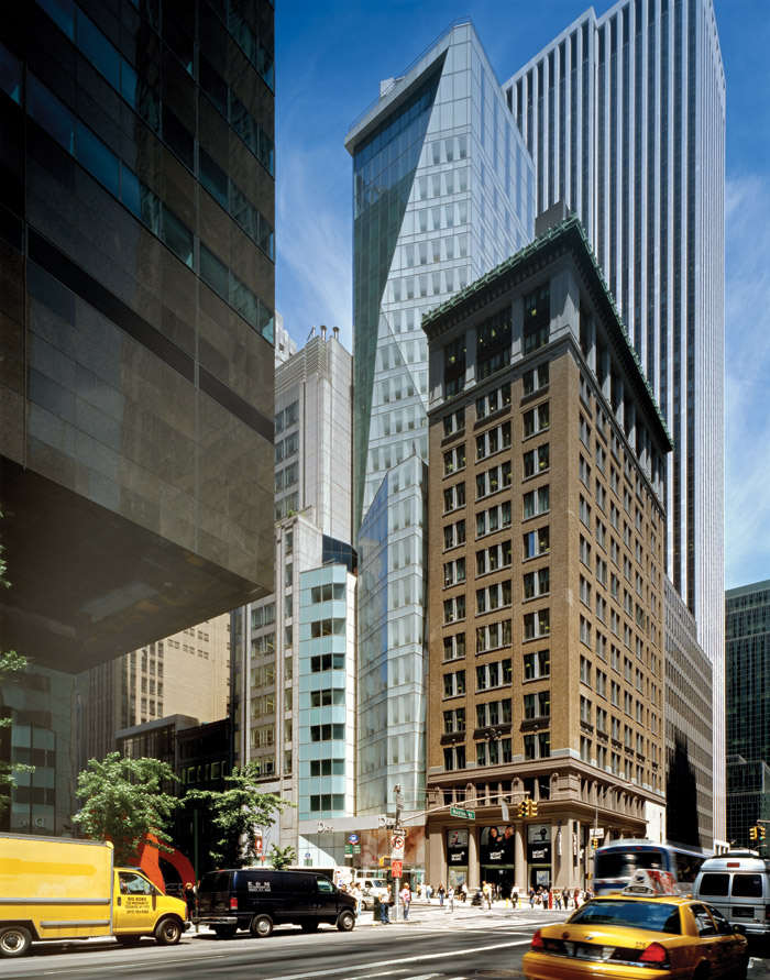 The LVMH Building on East 57th Street. Next to it on the corner is 598 Madison Avenue (1920), and behind, the General Motors Building (1968) rises 210m.  Photography - Wade Zimmerman