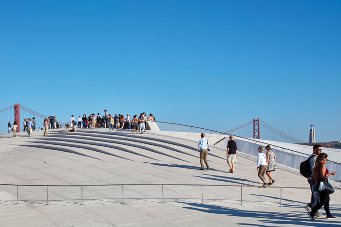 The Kunsthalle roof is public realm, and its surface was treated to be non-slip