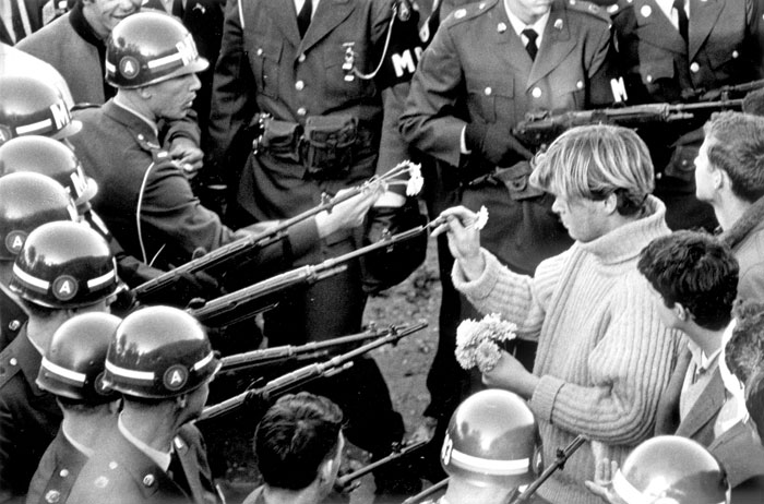 Anti-Vietnam demonstrators at the Pentagon, 1967. Photo by Bernie Boston the Washington Post Via Getty Images