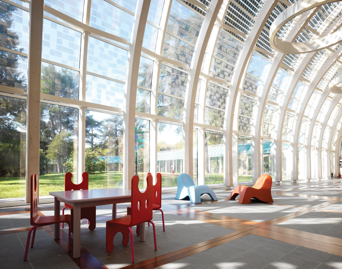 Meyer Children's Hospital, Florence – spaces in a fully glazed atrium creates connections between inside areas and nature outside. Image Credit: Richard Johnson