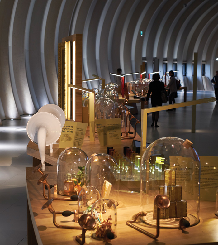 Casson Mann evokes the aromas and textures of wine in interactive displays referencing apothecary equipment and Victorian theatre, glass cloches, copper trumpets and atomisers, and digital media