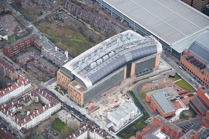 The Crick Laboratory is 170m long and just under 50m high, with a floor space of 93,000 sq m. Photo: Laing ORourke