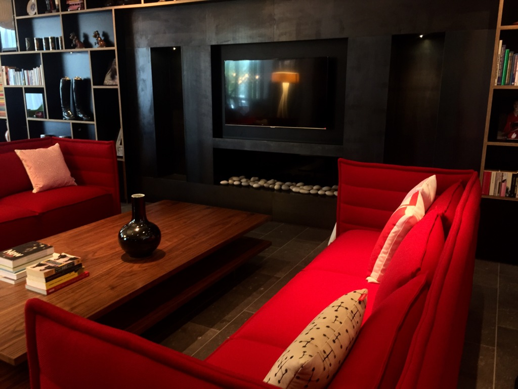 History meets contemporary with citizenm s new flagship tower hill hotel designcurial - Design hotel citizenm london ...