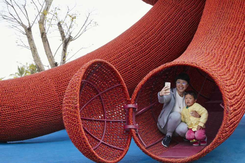 Florentijn Hofman Amp Uap Unveil Giant Octopus Playscape