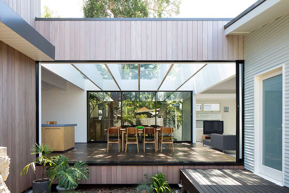 Contemporary sydney beach house by ph architects for Beach home designs nsw