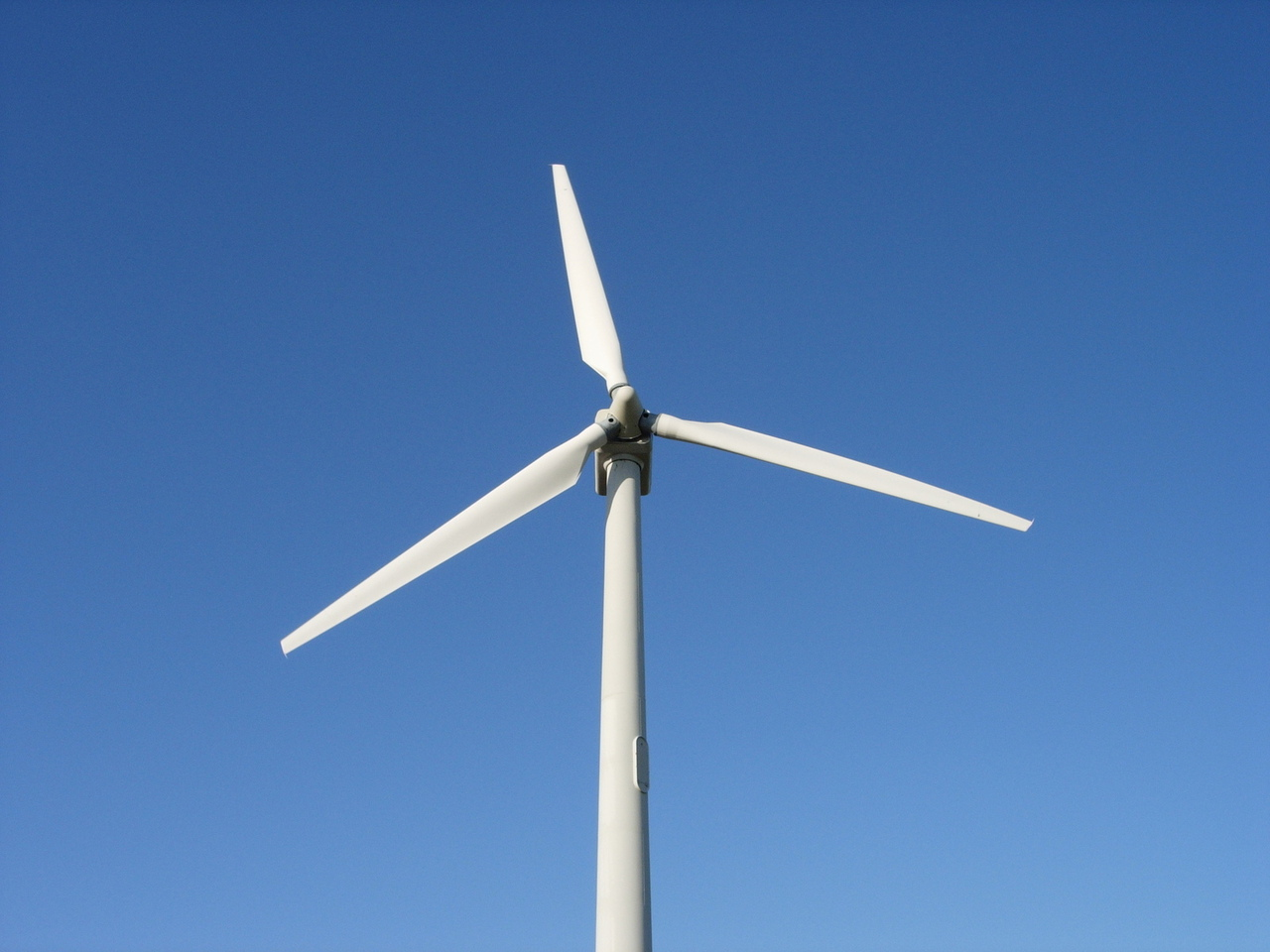 Enel acquires 320-MW Nebraska wind project to power Facebook