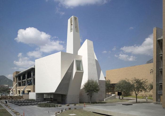 Moneo Brock, Spain Parish church in Pueblo Serena, Monterrey, Mexico