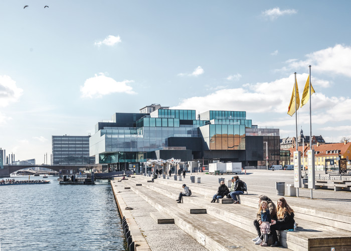 While Blox's public square is situated away from the water, the neighbouring Søren Kierkegaards Plads directly engages with it. Image Credit: Rasmus Hjortshoj