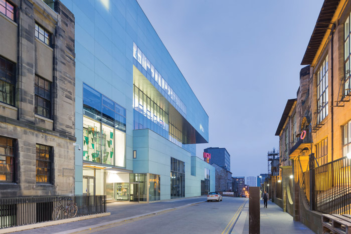 The front of Holl's academic centre for the art school, sitting opposite MacIntosh's iconic Glasgow School of Art. Image Credit: Iwan Baan