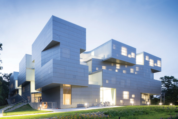 The Visual Arts Building at the University of Iowa, architect Steven Holl. Image Credit: Iwan Baan