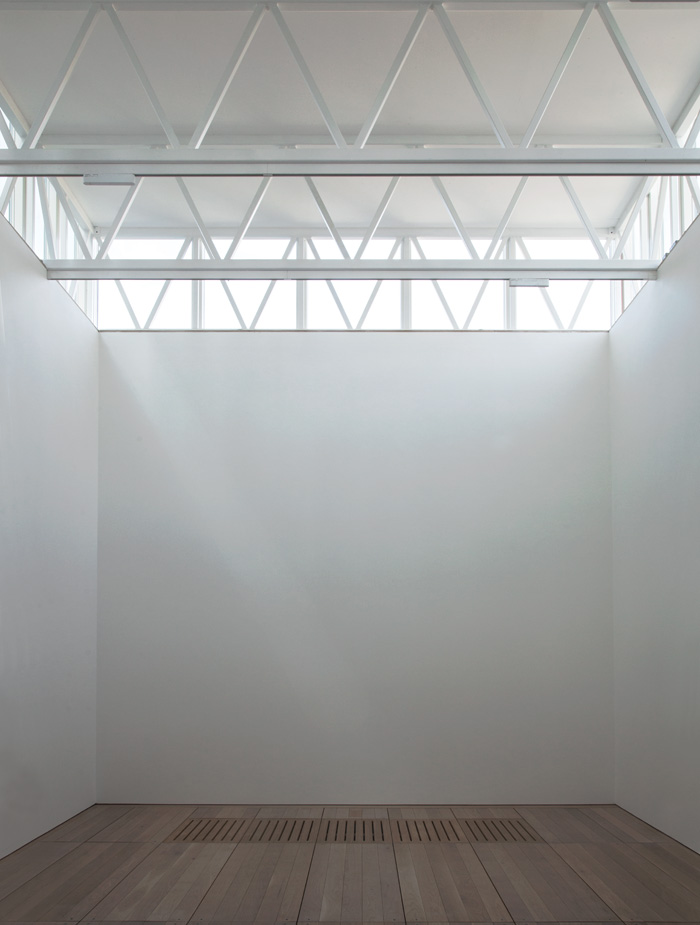 The Lantern gallery (top), also called the Bridget Riley Gallery, and Clerestorey gallery (bottom), named the Candida and Zak Gertler Gallery, function as flexible black-box spaces. Image Credit: Assemble