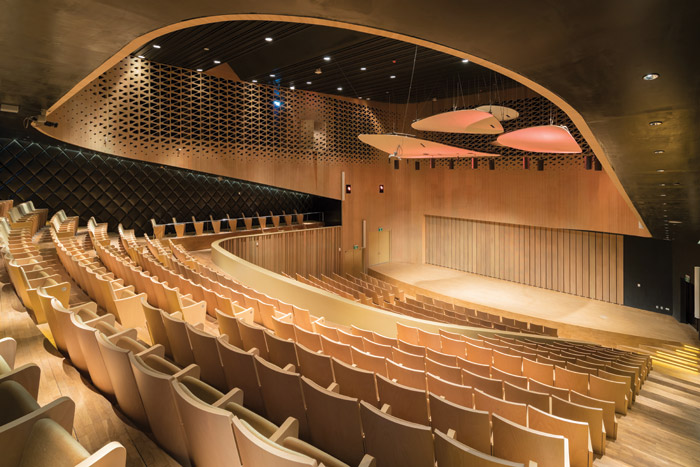 The Recital Hall has walls that can change according to the acoustic demands of the performance. Image Credit: Iwan Baan
