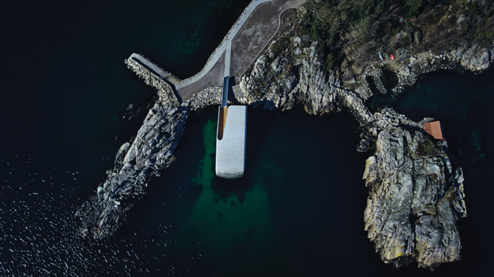 Just another part of the rocky coastline: Under from above. Credit: André Martinsen