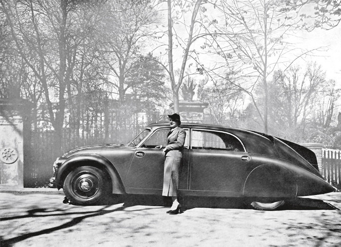 French advertisement (1934) for the Tatra 77, the first production car built on streamlining principles
