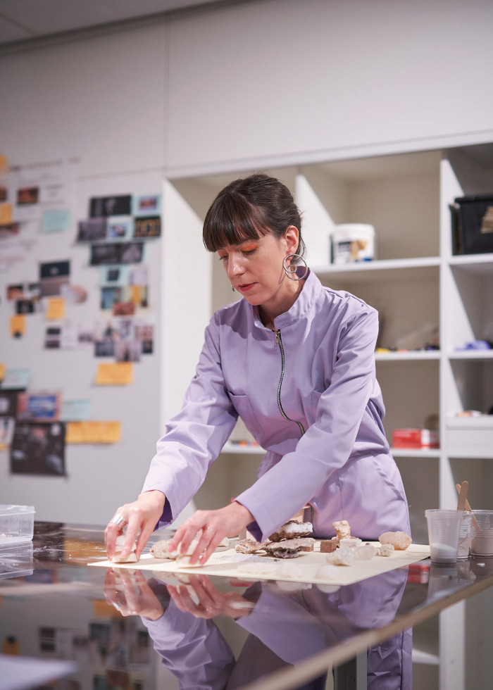 Forés working with salts in the Design Museum studio. Image credit: Felix Speller for the Design Museum.