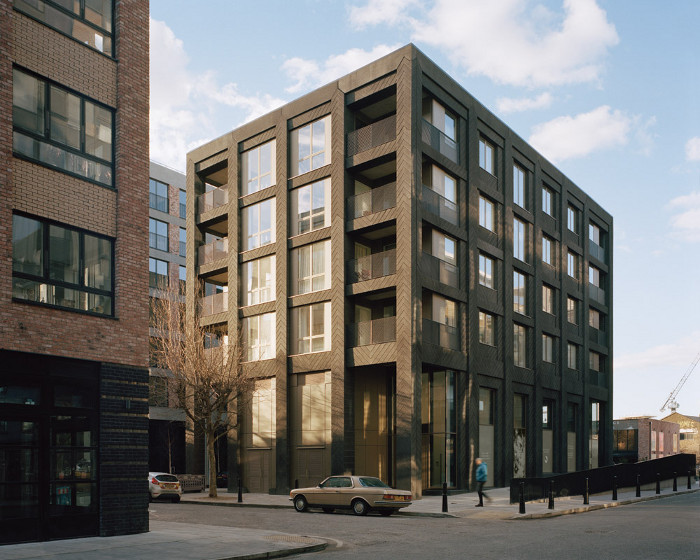 Lyndon Goode Architects' Lanterna comprises 16 apartments. Image credit: Rory Gardiner.