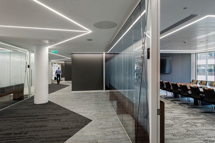 In the meeting suite rooms are set forward and back from each other, thereby reducing the 'corridor' effect