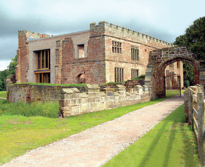 Astley castle - Here the ruin has been reivented, turning part of it into a unique, rentable holiday home