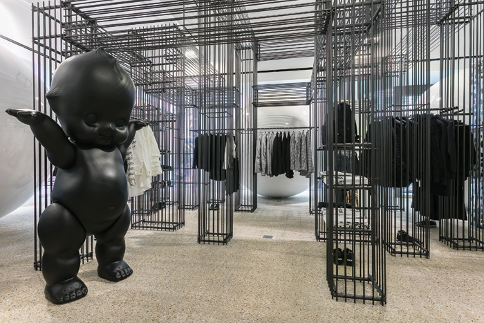 Dover Street Market, created by Rei Kawakubo of Comme des Garçons, features lighting installations, art pieces and a sense of retail theatre throughout