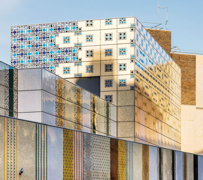 Wrapper, by Jacqueline Poncelet, near Edgware Road Tube station. Image Credit: THIERRY BAL