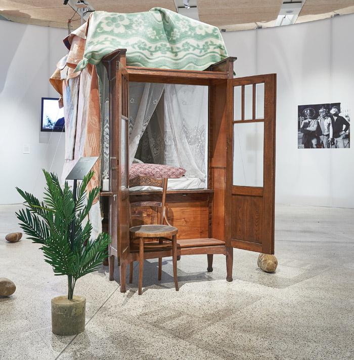Studio Makkink & Bey's Linen Chest House 2002)