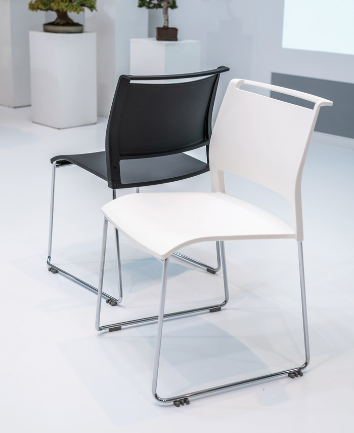 KI's Opt4 chairs are used in The Hall