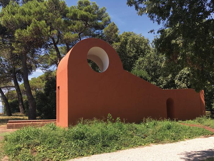 Ricardo Flores and Eva Prats' contribution was a simple, adobe-like temple