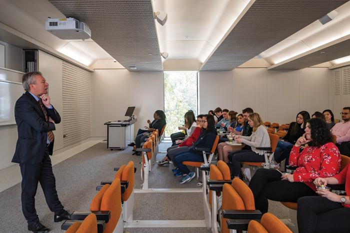 Teaching and lecture spaces have been rationalised by the architects working within the current structure while disregarding original floor plans