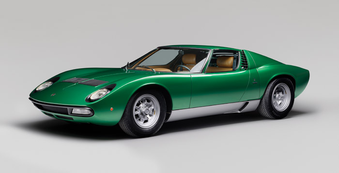 Tomlinson considered following in the footsteps of the likes of Marcello Gandini, who designed the Lamborghini Miura