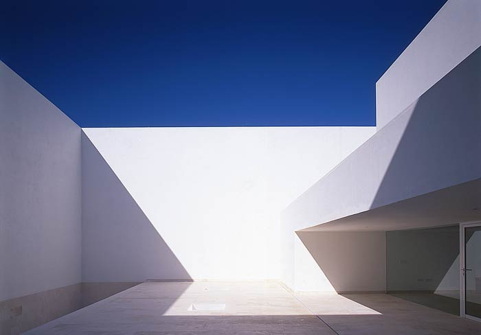 Alberto Campo Baeza's Guerrero House is located in Zahora, Spain