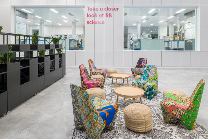 break-out spaces encourage collaboration among the 800 research and marketing staff