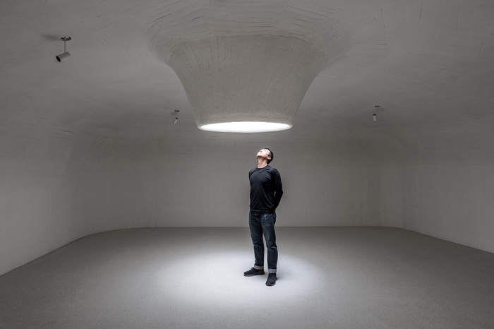 A skylight in the Dune Museum, an avenue for natural light to enter and the portal through which observers can witness the changing expression of the sky