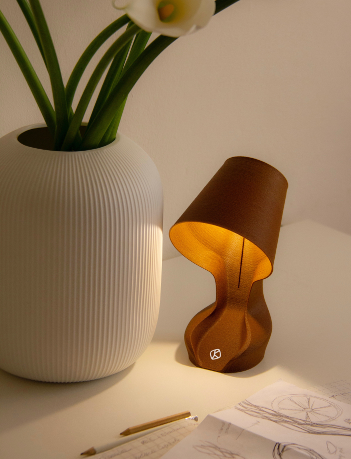 Ohmie the Orange Lamp is a fully-compostable lamp made of 3D-printed orange peel