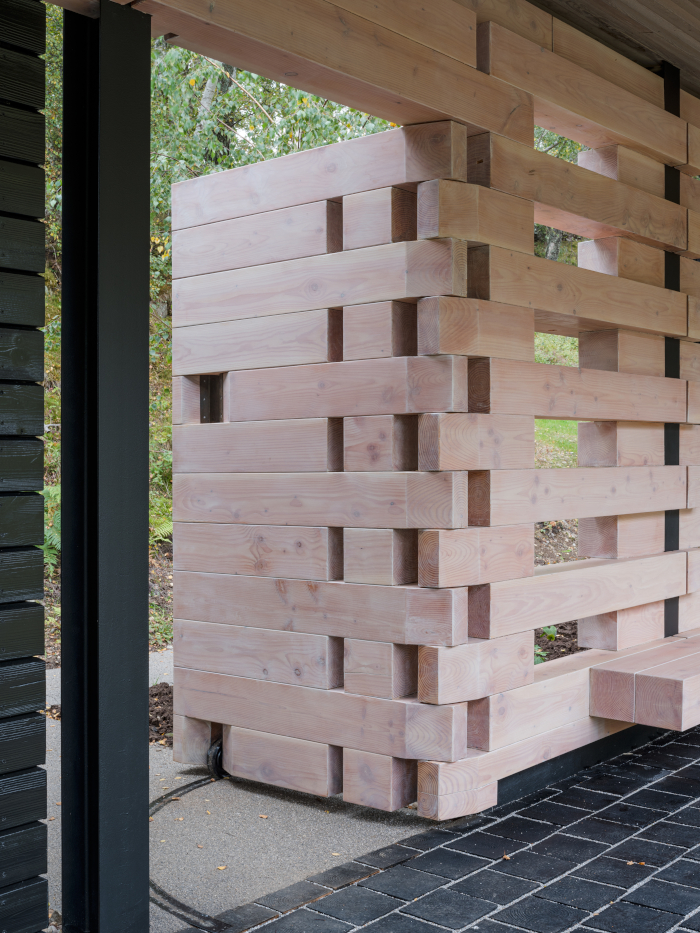 The Douglas fir wall, partitioning the private from the public