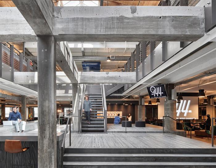 Workspace Environment Large (over 40,000 sq ft)  Winner : Fitzco / Momentum / Weber Shandwick by Gensler