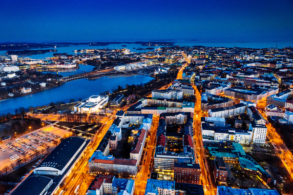 Helsinki at night (Photo: VTT)