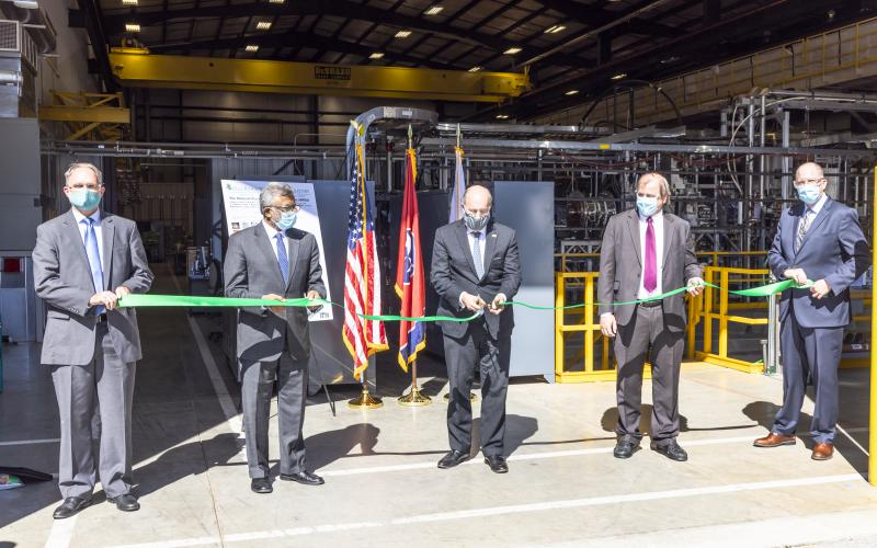 Department of Energy Under Secretary for Science Paul Dabbar (center) joined ORNL and DOE leaders for a ribbon-cutting ceremony