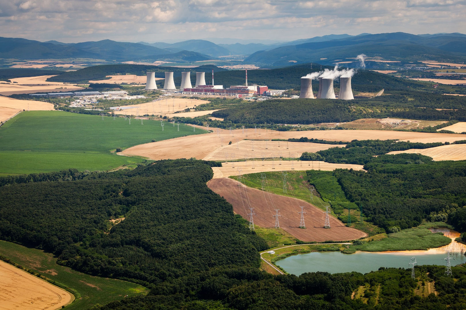 Aerial view of four units at Mohovce nuclear power plant (Photo credit: SE)