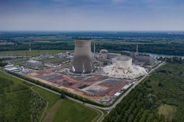 Demolition of cooling towers at Philippsburg in May 2020 (photo credit: EnBW)