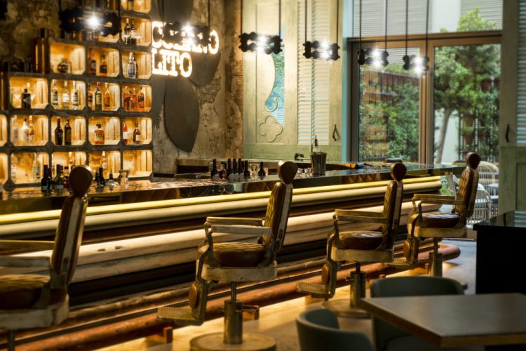 Drinking and design 5 of the most stunning bars in the for Ceiling mural in a smoker s lounge