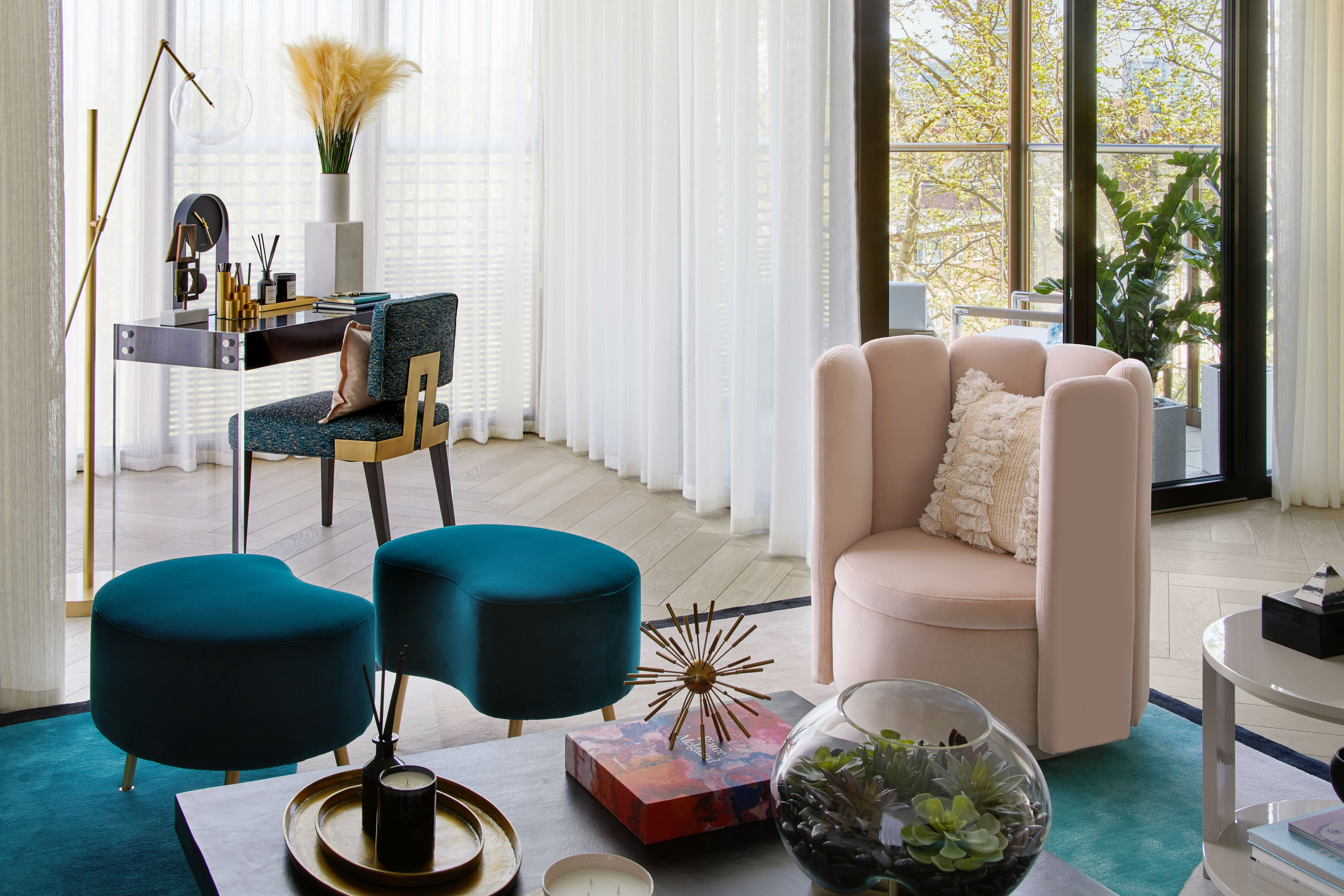 Tremendous Pretty In Pink Elicyons Apartment Dazzles At Chiltern Camellatalisay Diy Chair Ideas Camellatalisaycom