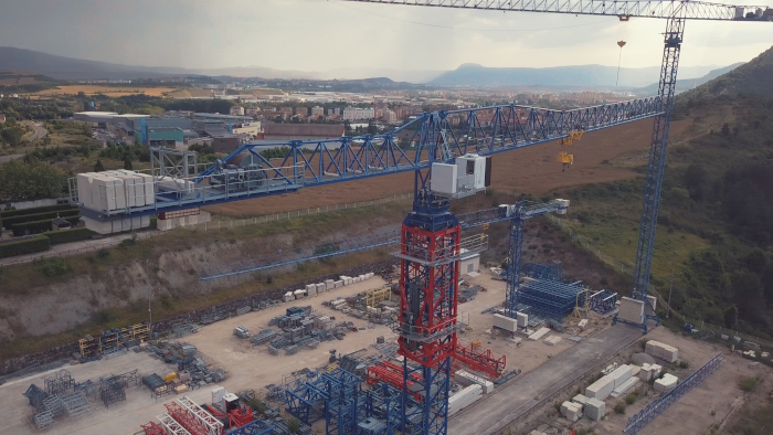 The new COMANSA 21LC600 and 21LC650 tower cranes have two maximum load versions: 20 and 25 tonnes