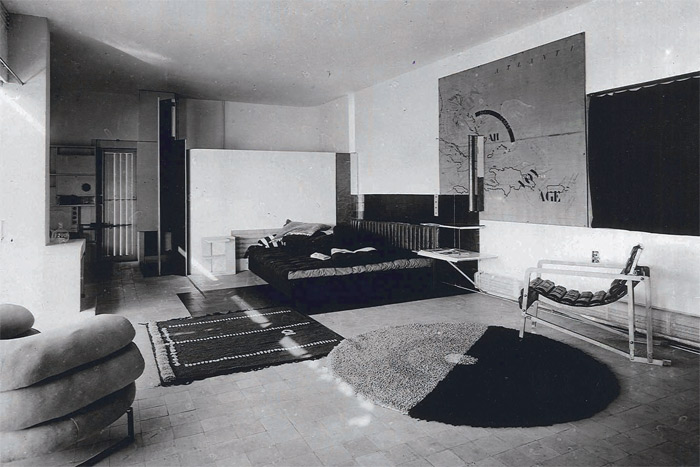non conformist eileen gray s e 1027 house revisited designcurial. Black Bedroom Furniture Sets. Home Design Ideas