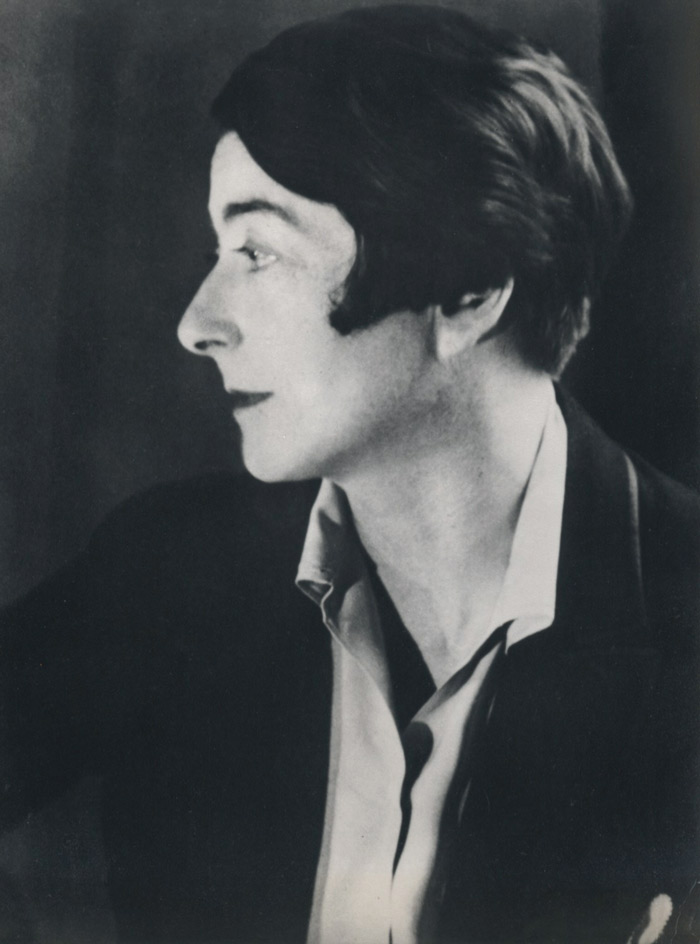 a look at the life of eileen gray as a fine female architect of the twentieth century