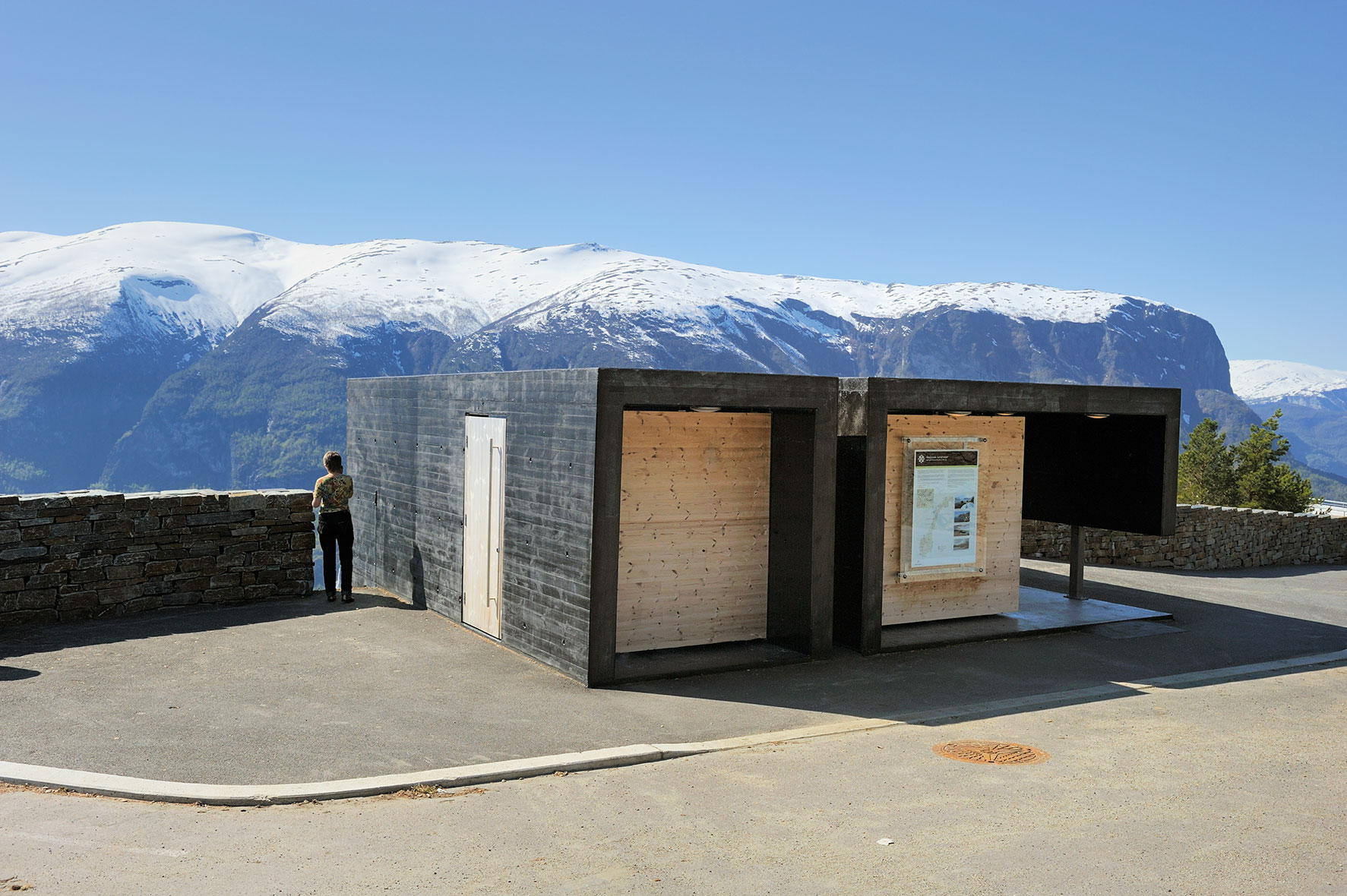 The world 39 s 10 best public toilets for 2015 designcurial Public bathroom design architecture